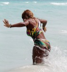 serena-williams-bikini-ass-pics-006